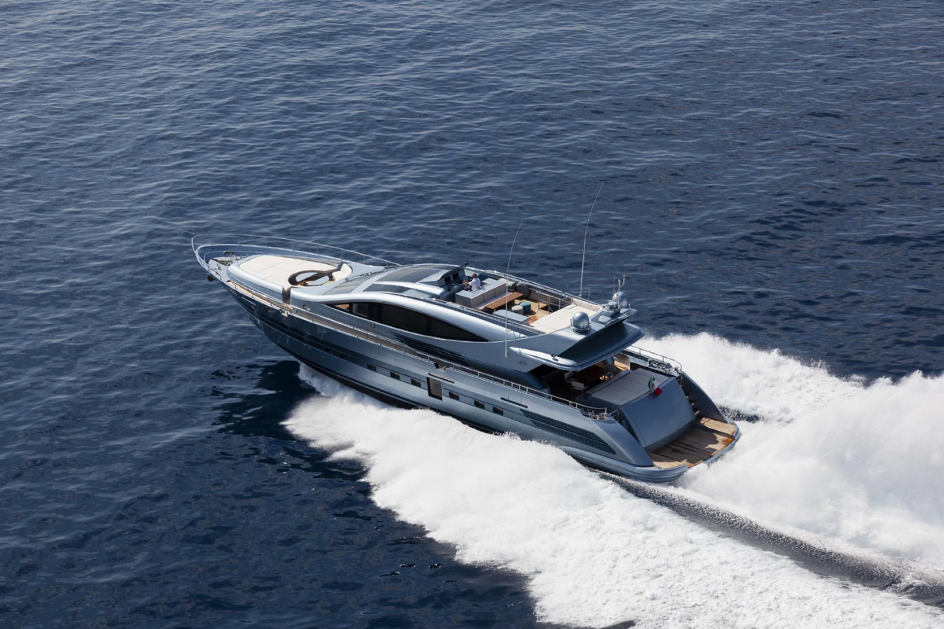 Yate FIFTYFIVE disponible en el Mediterráneo Occidental