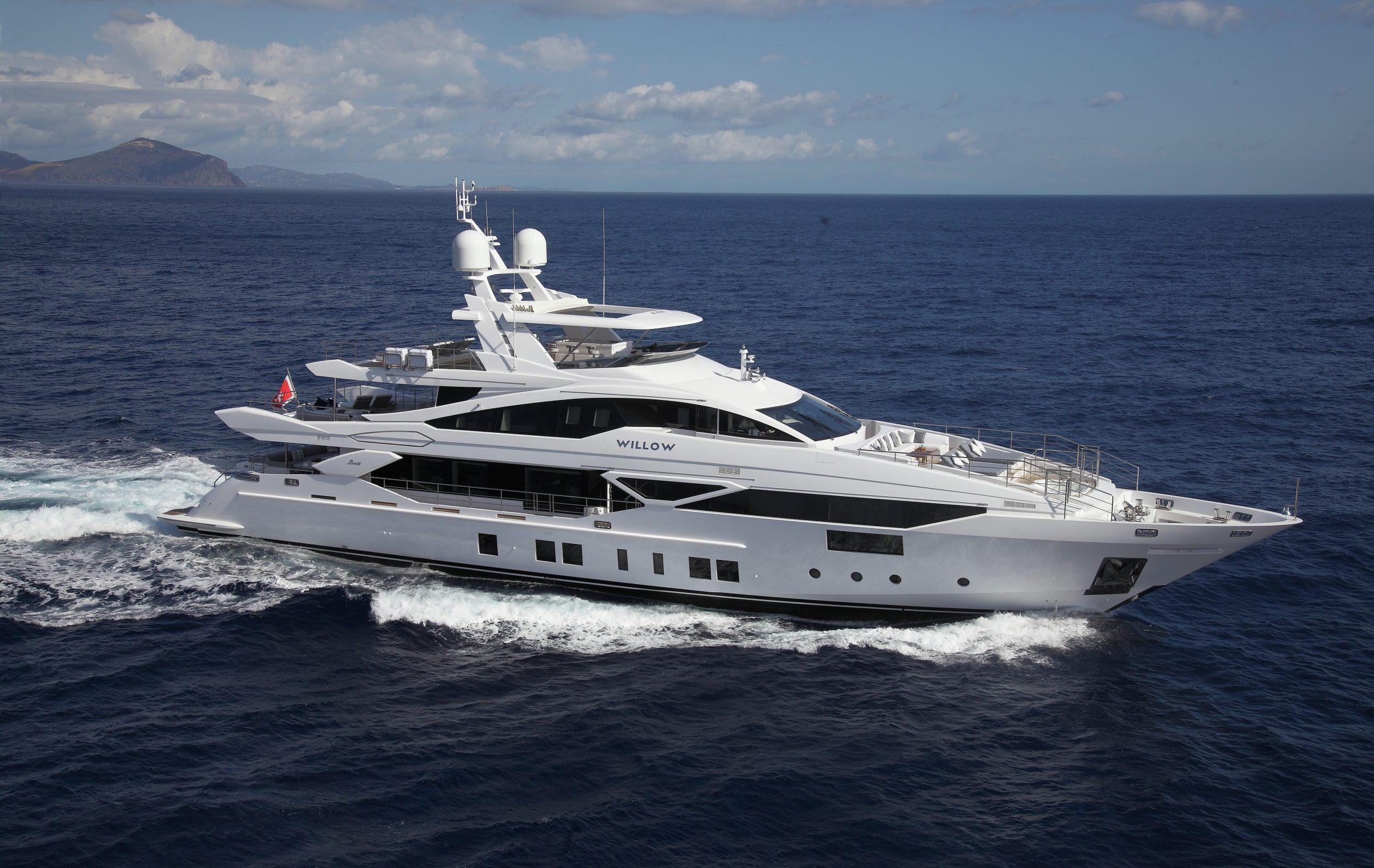 El espectacular yate WILLOW disponible en el Mediterráneo Occidental