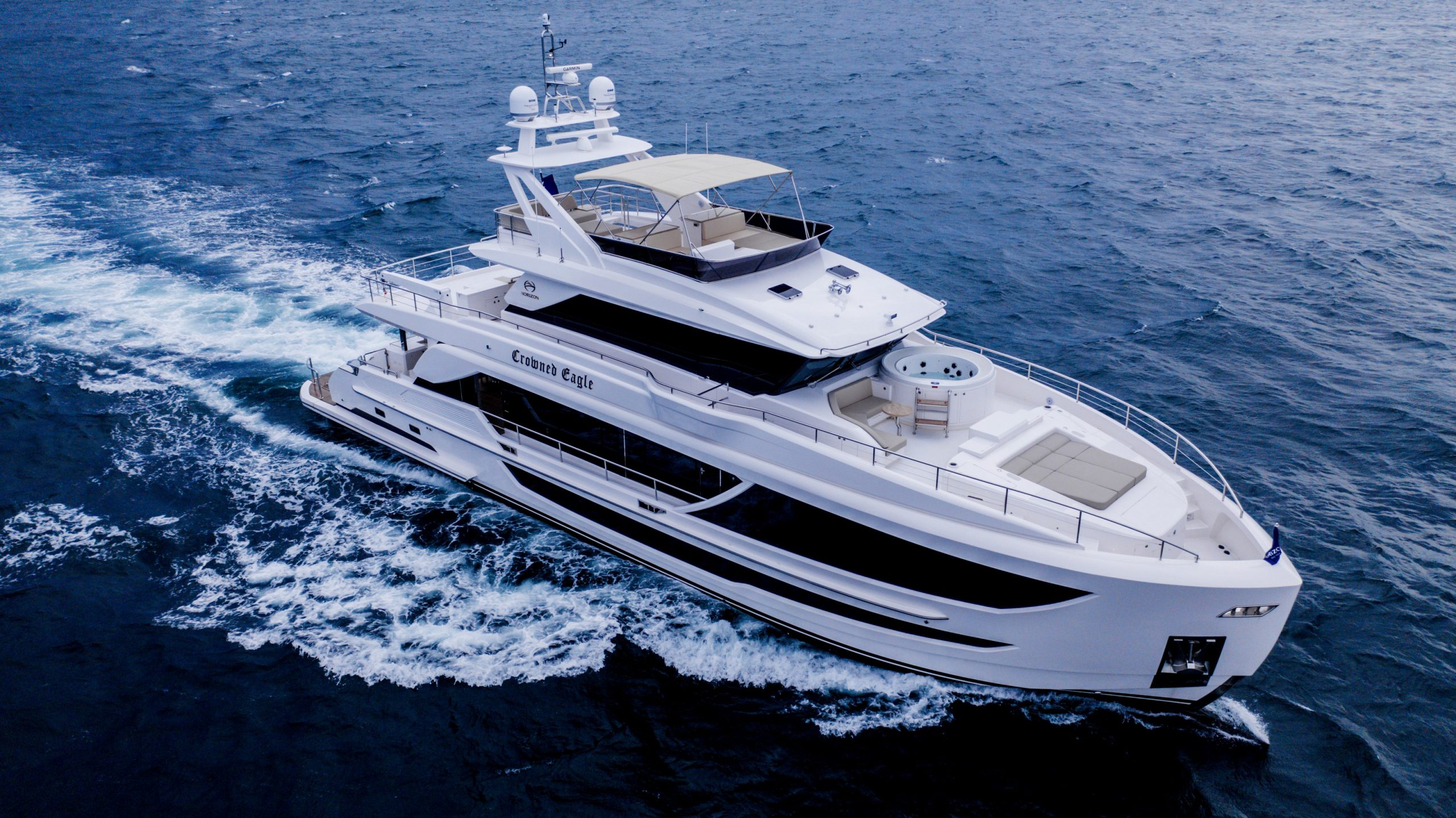 Yate FD92 CROWNED EAGLE de Horizon Yachts